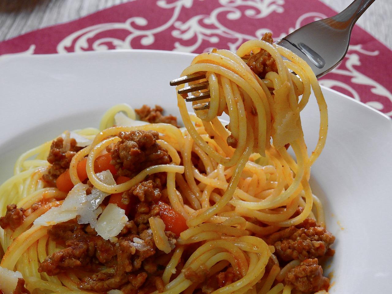 Spaghetti aus Kichererbsenmehl